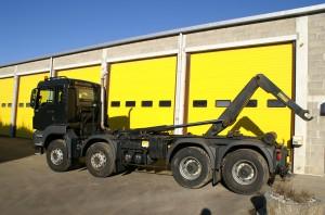 Porteur MAN 8x4 480 CV. Permettant de réaliser nos transports de matériel sur chantier.